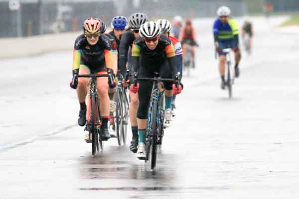 BicycleAttorney.com racing team  women strong night of riding at a wet Race Monday Nights PIR Portland, Oregon.