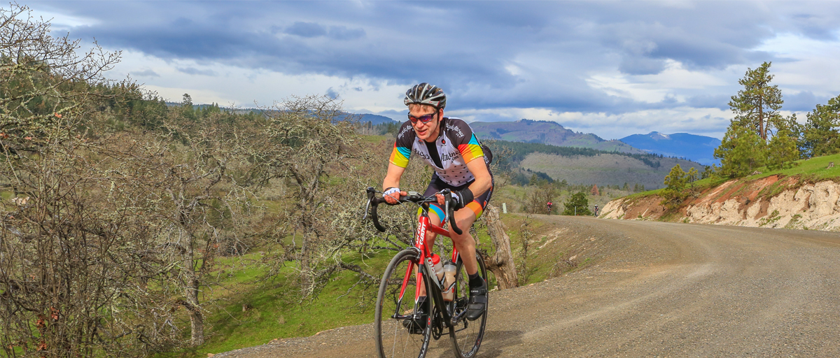 Beautiful race setting in the Columbia Gorge but brutal cold howling winds, gravel, challenged racers during the Gorge Roubaix Gravel Grinder 4-1-17